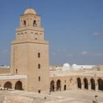 Von der Dachterasse des Souvenir-Geschäfts hat man einen grandiosen Ausblick auf die Große Moschee