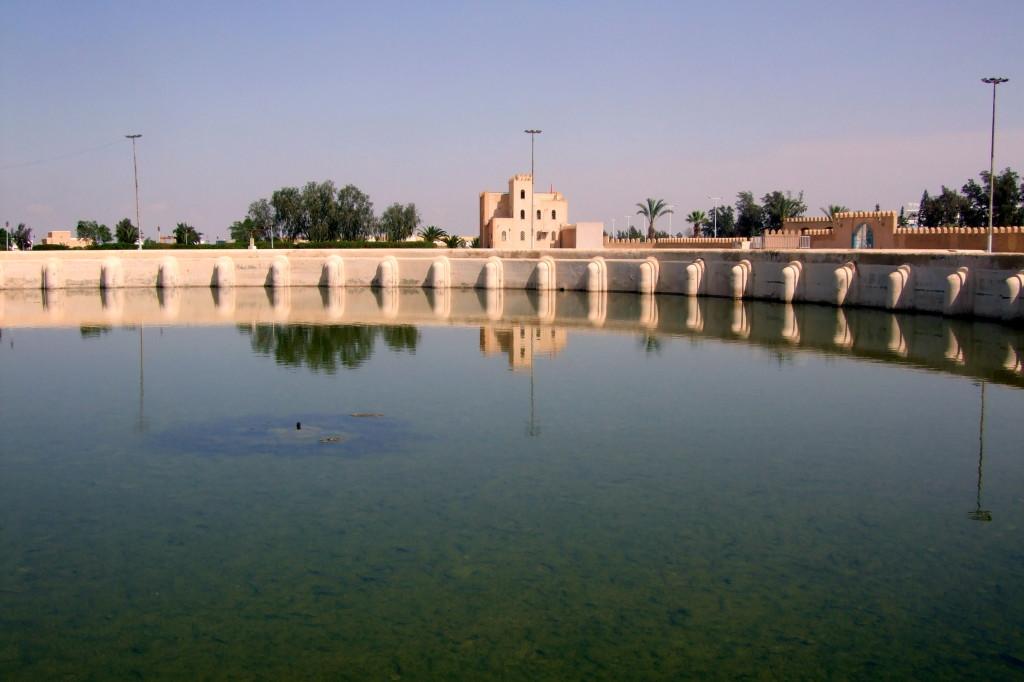 In Kairouan ist es heiß und trocken. Die Aghlabiden holten das Wasser von weither