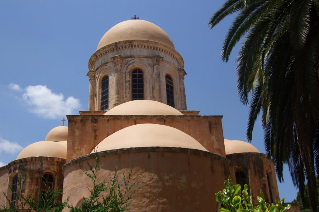 Das Kloster Gouverneto wurde gebaut, weil die Klosteranlage Katholiko am Meer wegen Piratenüberfällen aufgegeben werden musste.