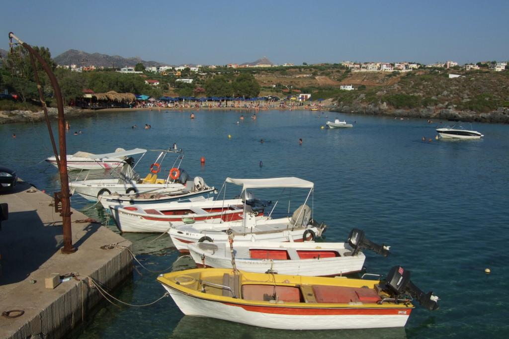 Lagune von Stavros und der Zorbas-Berg im Hintergrund
