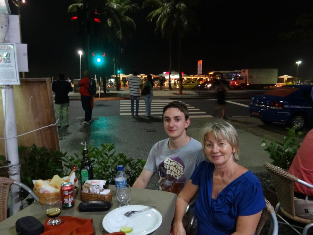 Abendessen an der Copacabana