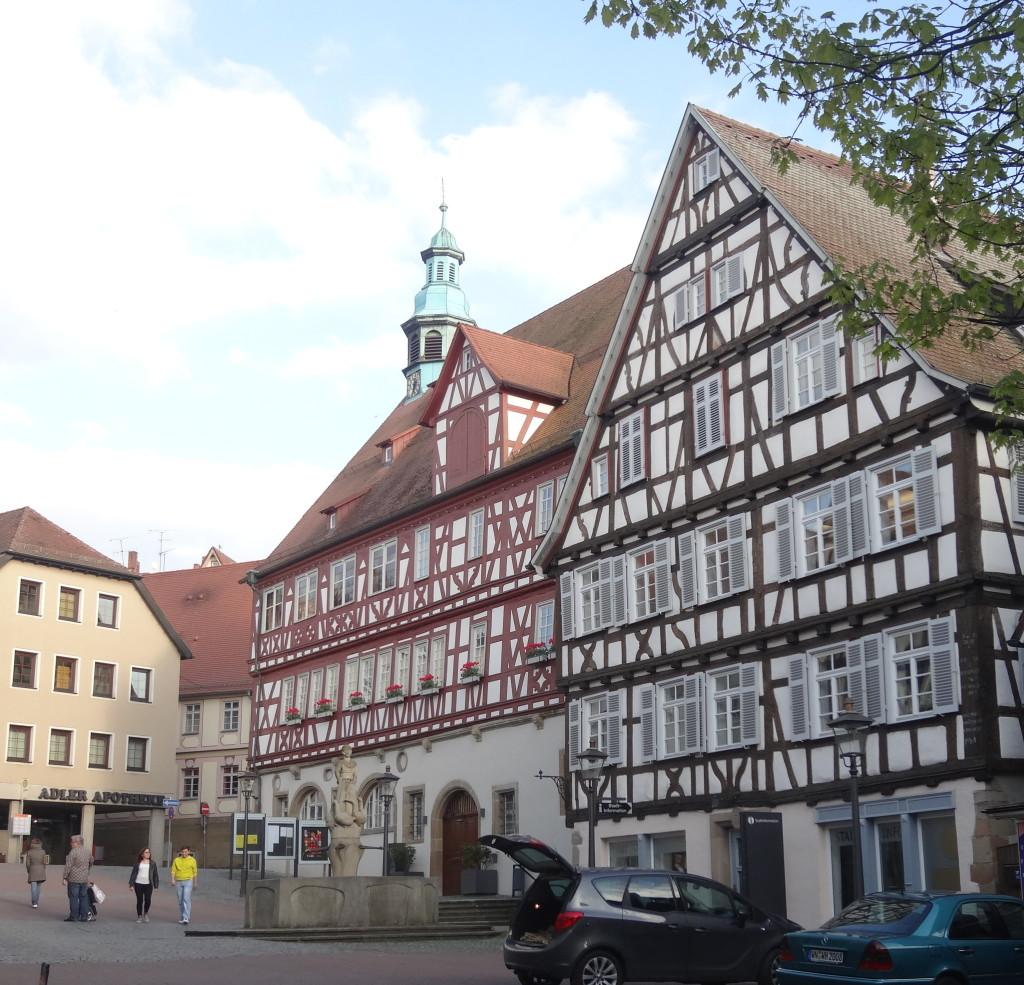 Das Rathaus, im Vorbeifahren auf dem Rückweg zur S-Bahn. Schöne Gegend! Ich komme wieder