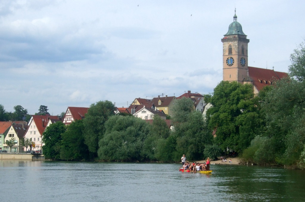Nürtingen hat eine schöne Altstadt, und Fachhochschul-Studenten, die gerne Kahn fahren