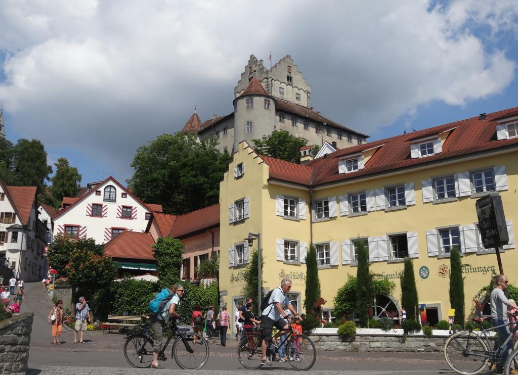 Die Meersburg ist die älteste bewohnte deutsche Burg und das Wahrzeichen der Stadt