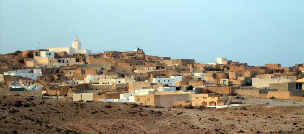 Tamezret, ein Berberdorf mitten in der Wüste