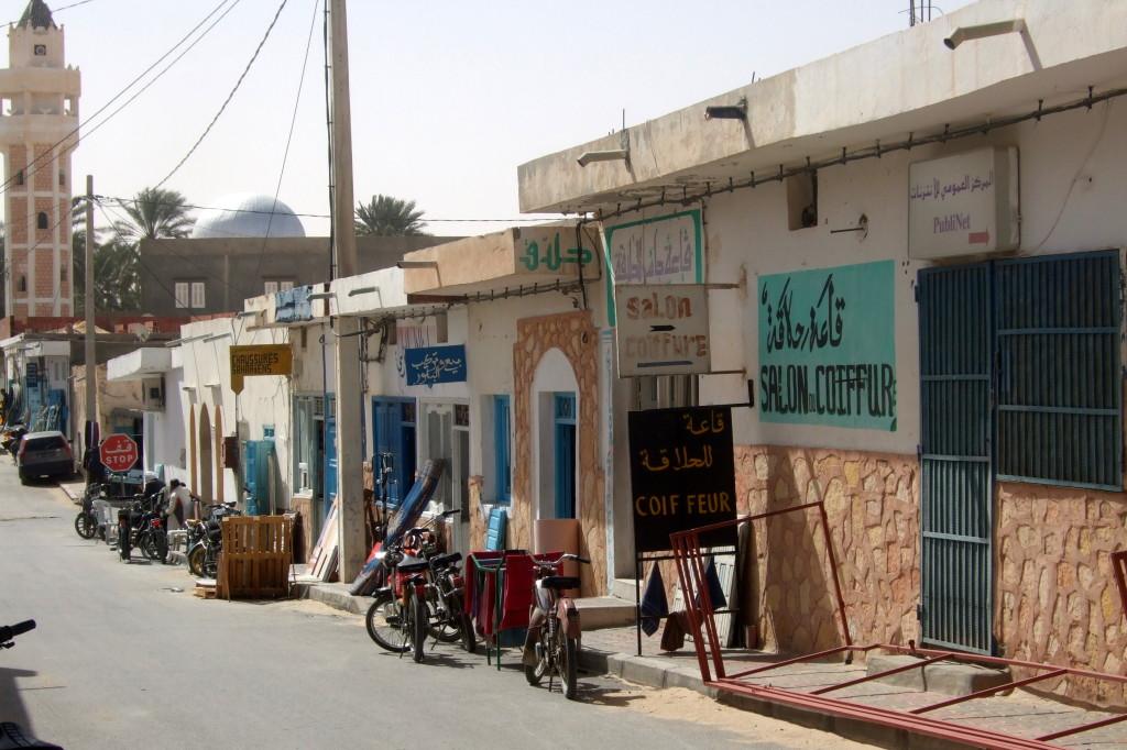 Douz ist das Tor zur Sahara, von hier aus kann man jede Art von Tour (Kamel, Motorrad, Jeep, Quad, Flugzeug) organisieren