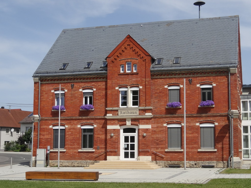 Das schmucke Rathaus von Nellingen. Bin froh, dass ich es gefunden habe, davor habe ich mich ziemlich verfahren