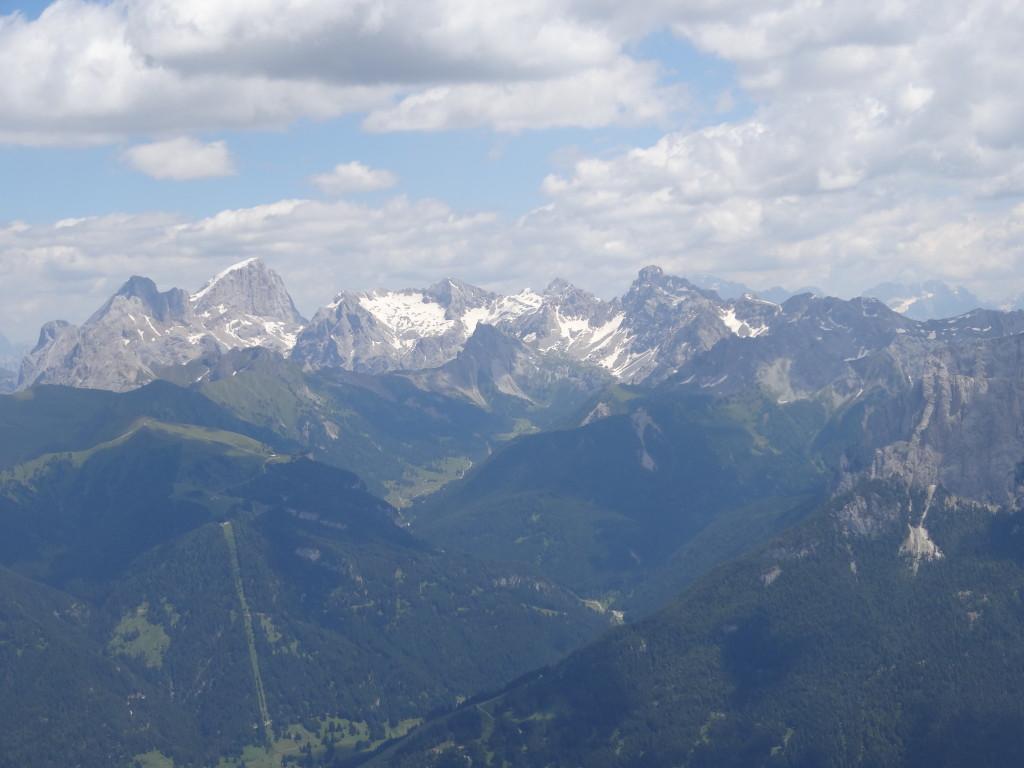 Gipfelblick: Die Marmolada