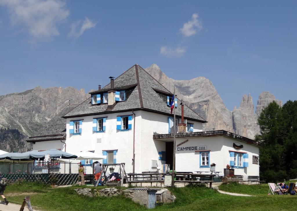 Ciampedie Hütte