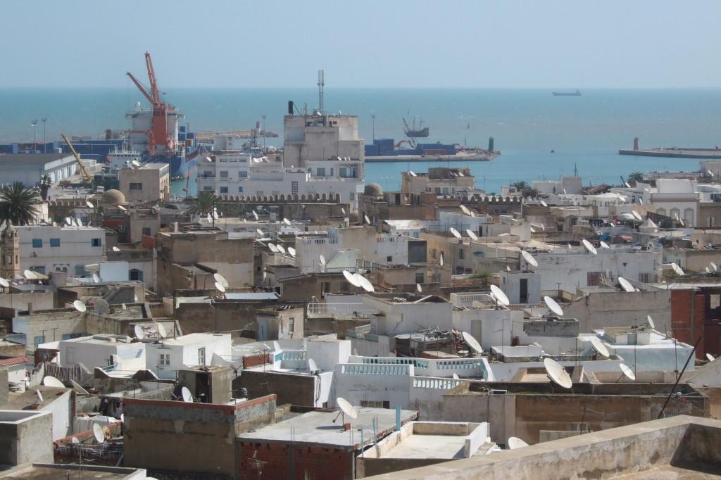 Von der Dachterasse des sehenswerten Museums Dar Essid schaut man über die Medina von Sousse