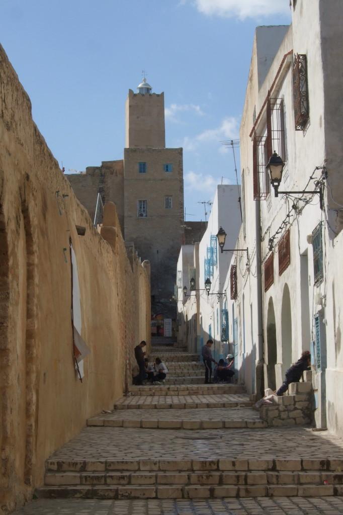 Enges Gässchen entlang der Stadtmauer hinauf zur Kasbah (Festung)