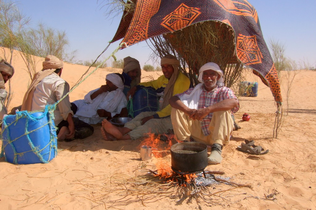 zaubern die Beduinen ein leckeres Mittagessen
