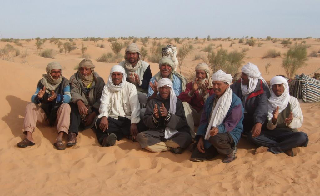 Abschied nach 10 wunderbar gleichförmigen meditativen Tagen in der Wüste. Wir nehmen die Erfahrung mit, dass man sehr einfach sehr gut leben kann.