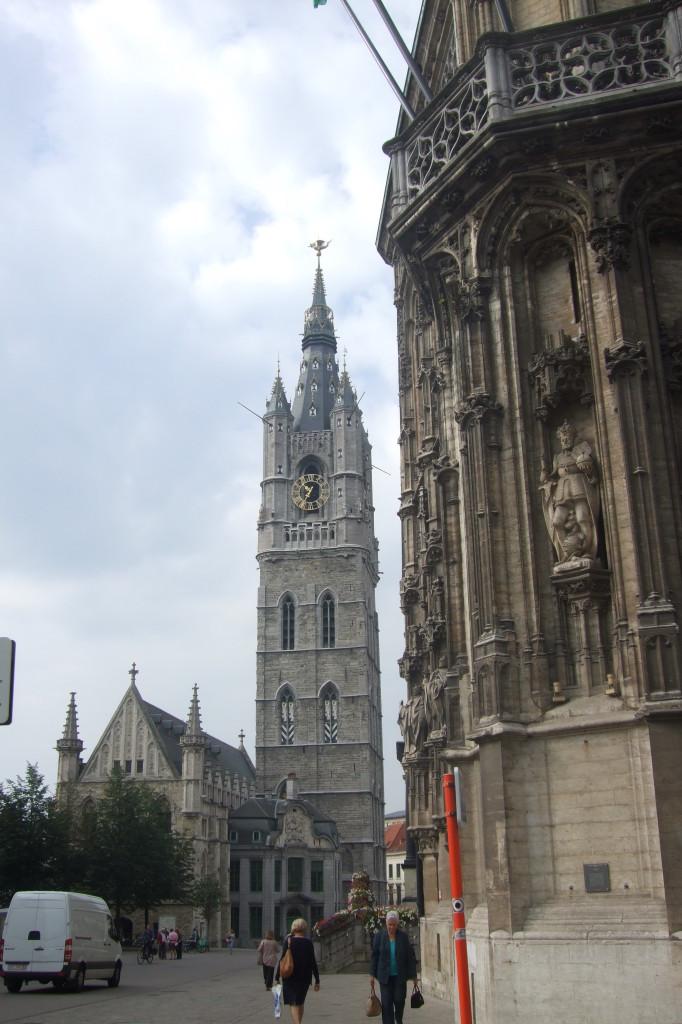 Rathaus und Belfort
