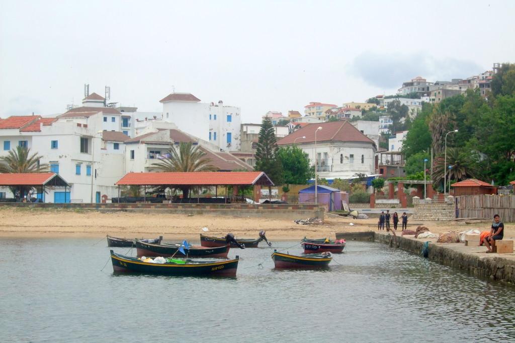 Tabarka ist ein beschaulicher Ferien- und Badeort mit weißen Sandstränden und korallenreichen Küstenabschnitten