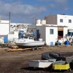 Kleines Fischerdorf nördlich von Puerto Rosario