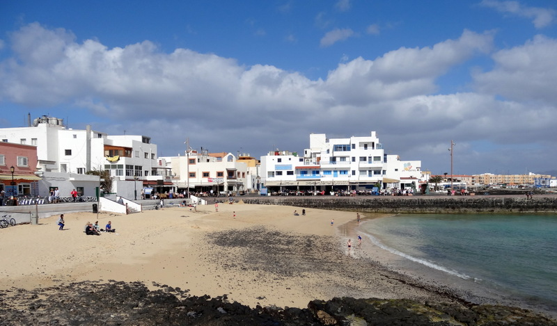Stadt-Strand und Uferpromenade von Corralejo