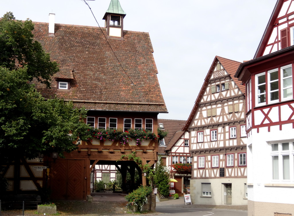 Bildchönes Ensemble am Rathaus