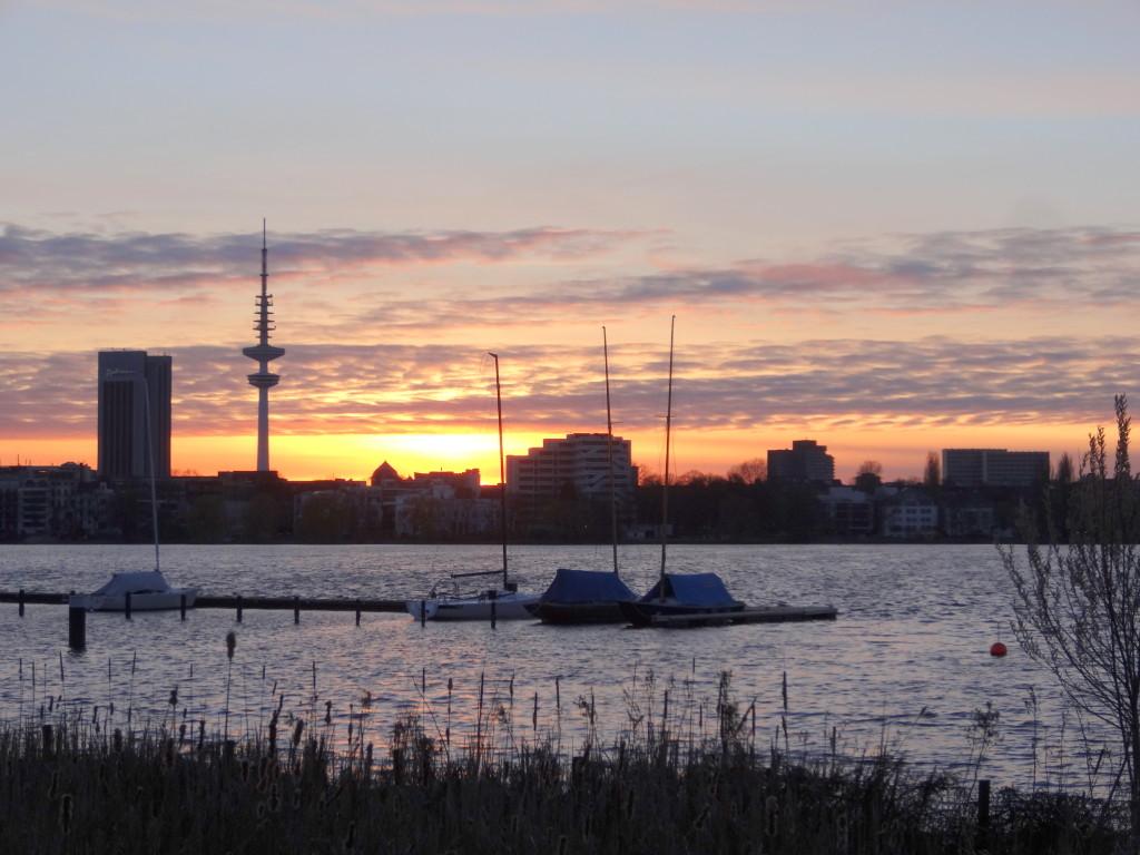 Hamburg, Fernsehturm von Alster