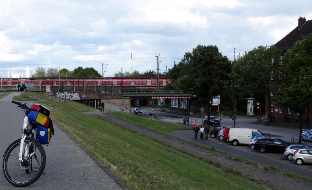 S-Bahn-Station Veddel, von Wilhelmsburg (Harburger Chaussee)