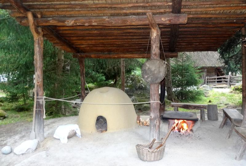 Brot-Backofen und Fladenbrot-Feuerstelle