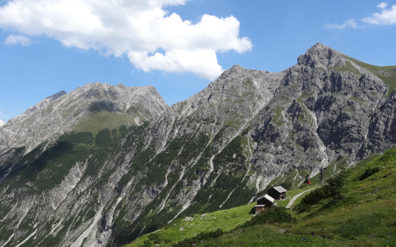 Klettersteig Lünersee : Lünersee bei brand gebirgssee am fuße der schesaplana lisa