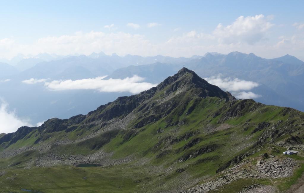 Zamang-Spitze(2386m), hinten von links: Ballun-Spitze, Vallüla, Piz Buin.