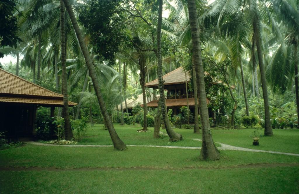 Bali02-2001-001