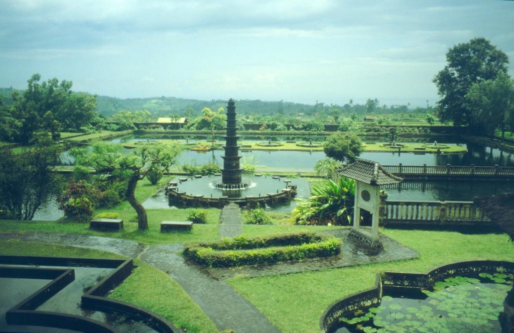 Bali02-2001-013