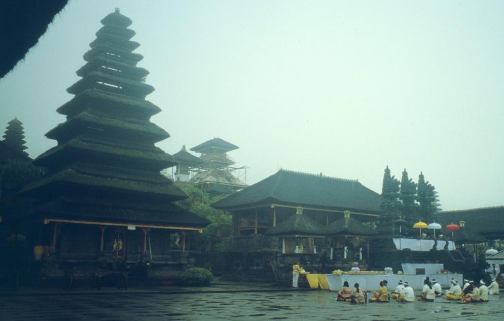 Bali02-2001-038