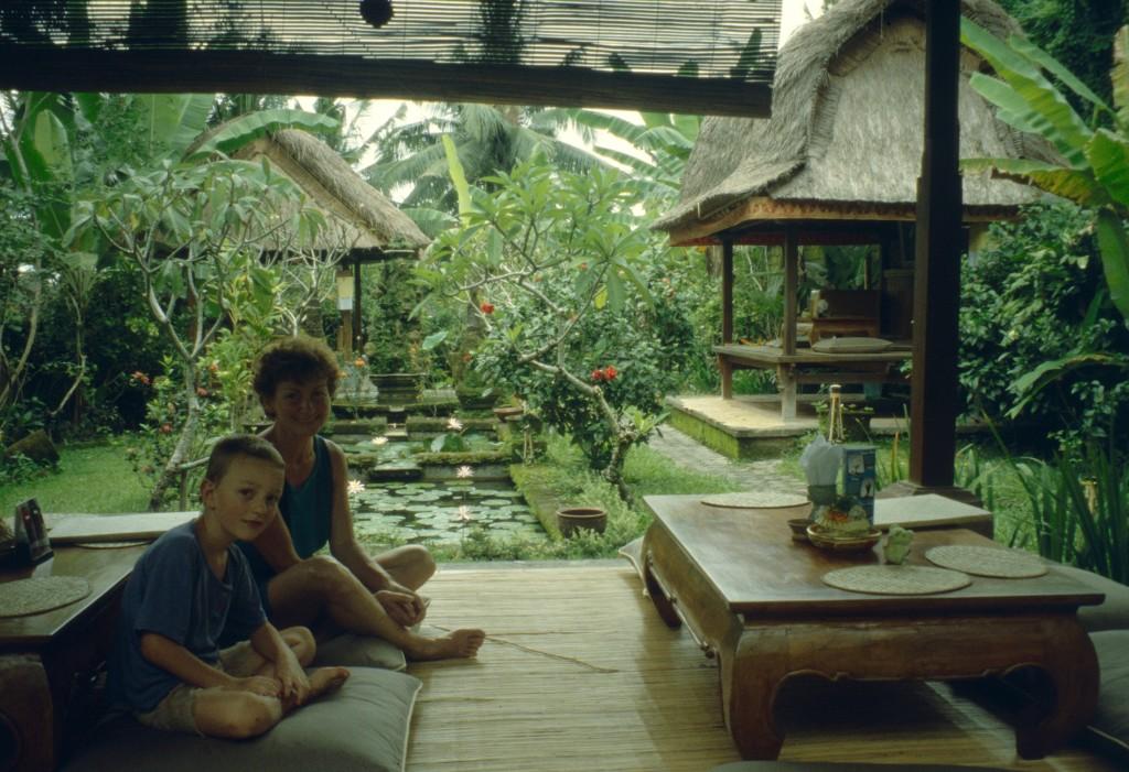 Bali02-2001-045