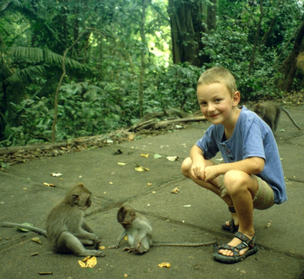 Bali02-2001-047
