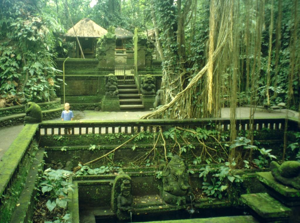 Bali02-2001-049